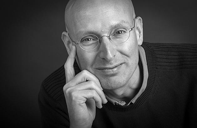 Portrætfoto til hjemmeside af psykolog Tommy Krahmer