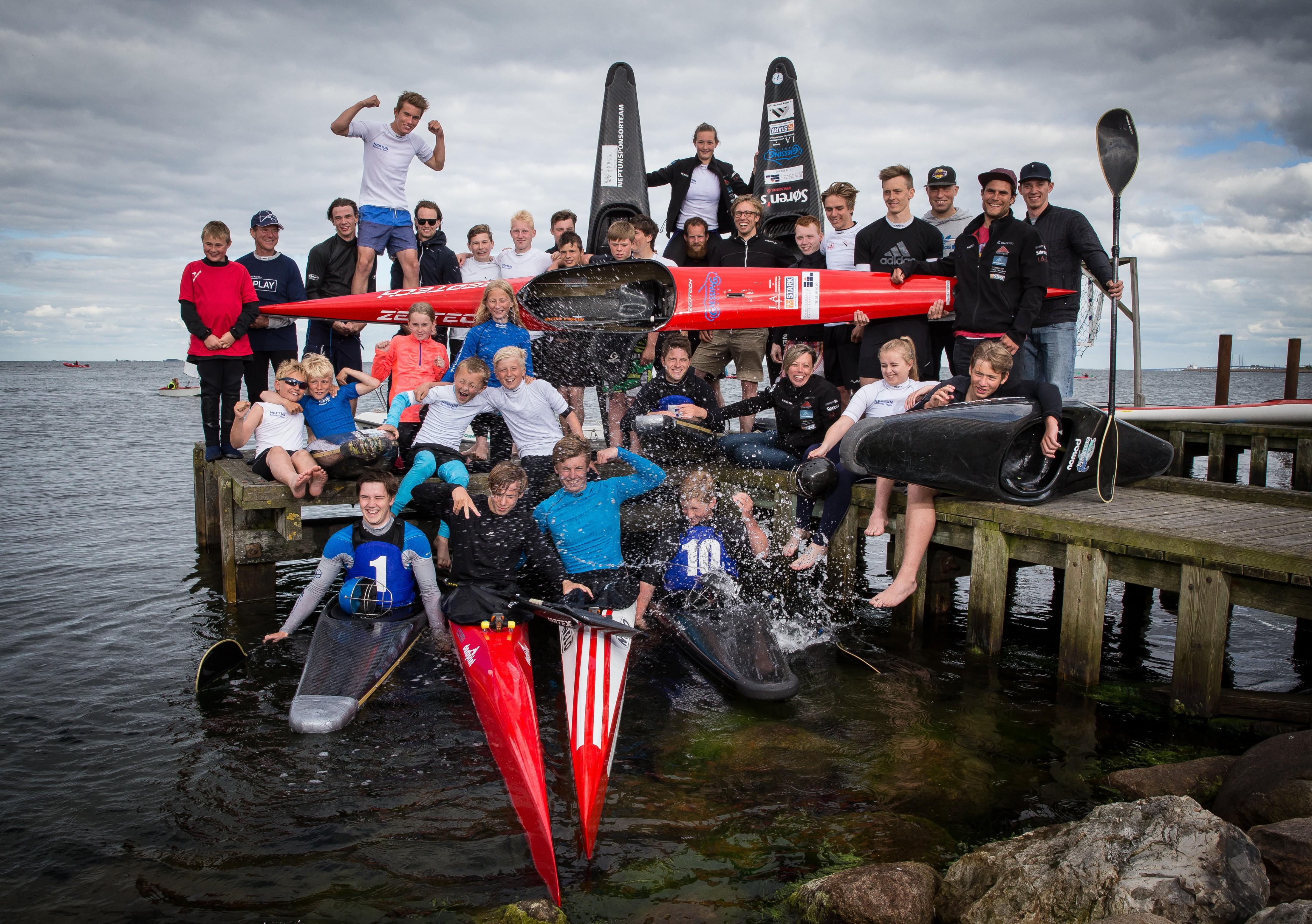 Øresunds unge Kap roere foreviget i Kastrup ved Amager Strandpark i København