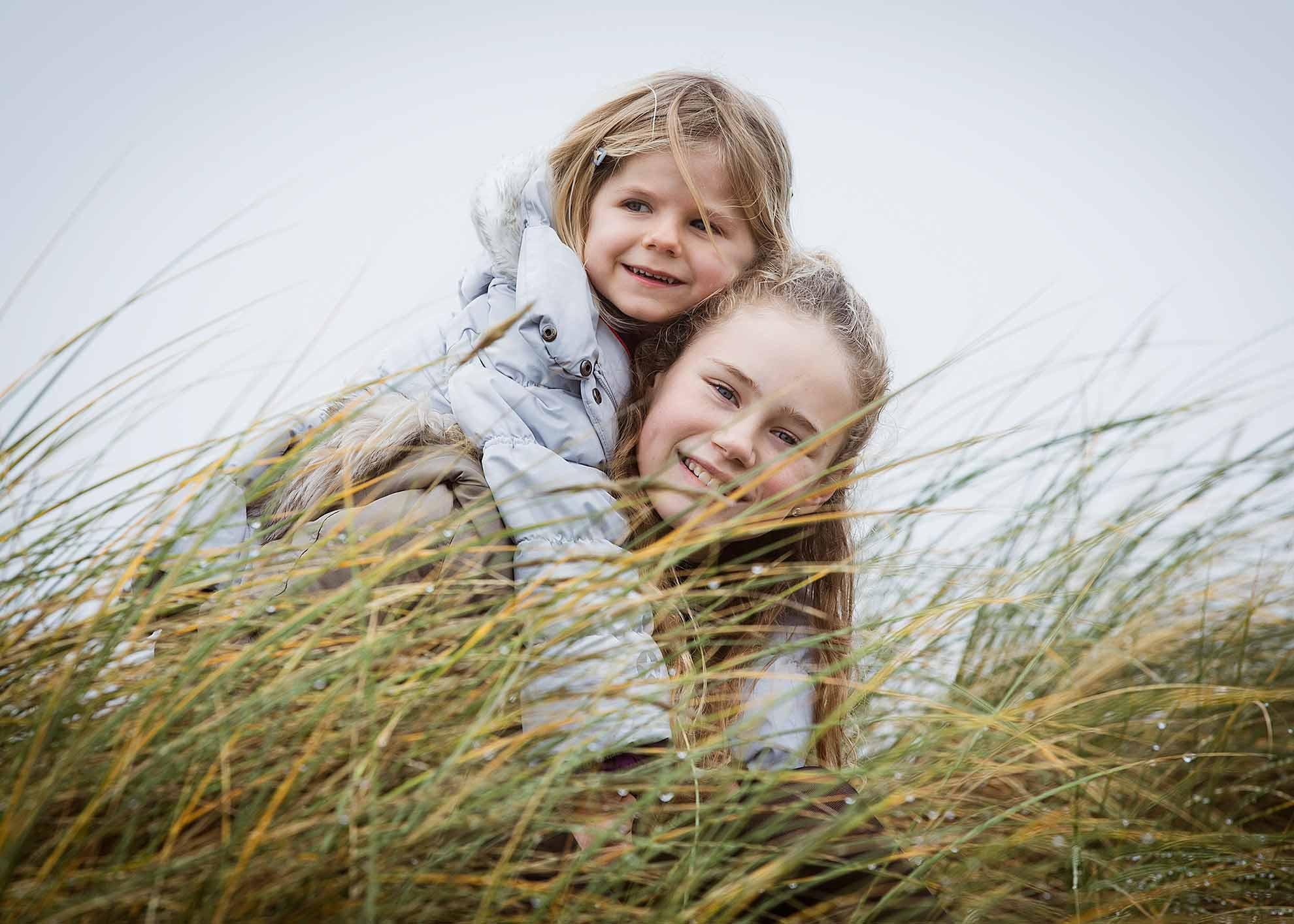 Søskendefoto ved Amagerstrandpark